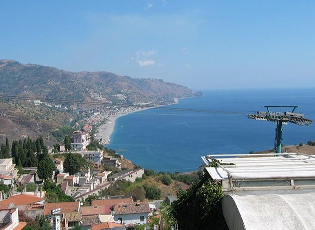 タオルミーナ